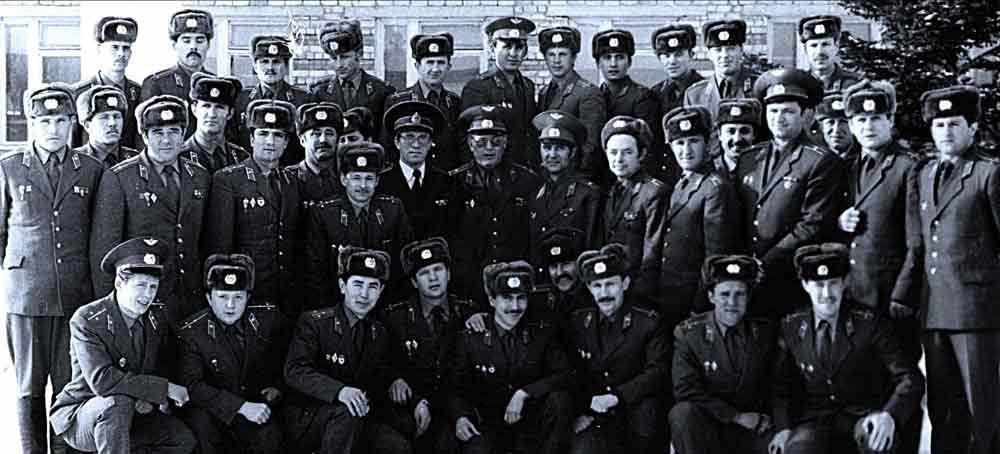 Универсальные солдаты ВДВ (во втором ряду третий справа, гв. м-р Логовский С.М. - участник штурма дворца Амина-Тадж-Бек, 1979 г.) - сборы «начфизов», 1985 г., РВДККУ, г. Рязань